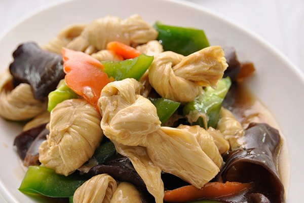 Soy Knot with Capsicum & Black Fungus